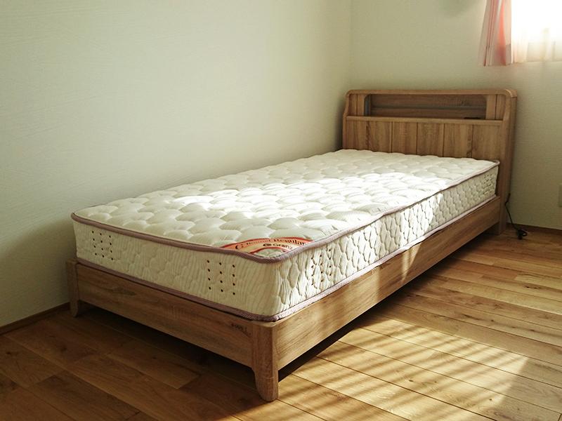 シングル ベッド