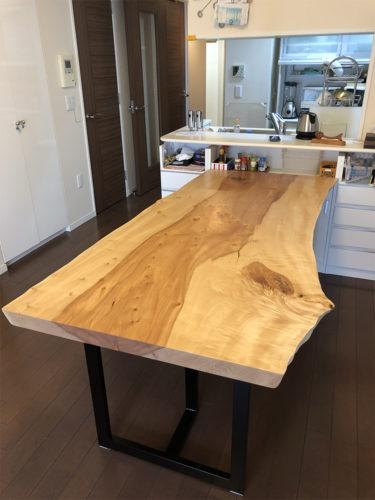 一枚板 栃の一枚板ダイニングテーブル