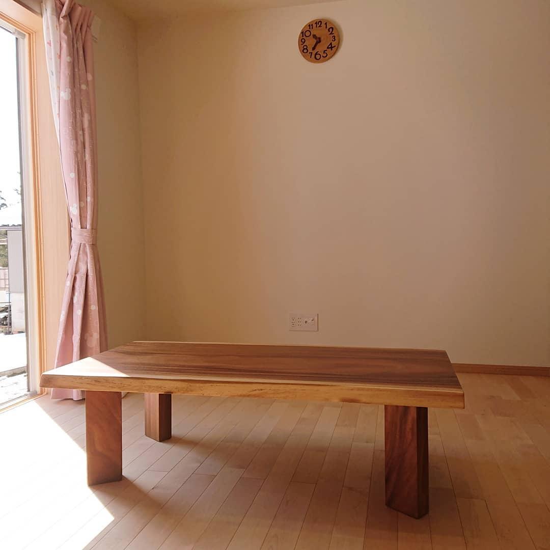 一枚板モンキーポッドリビングテーブル